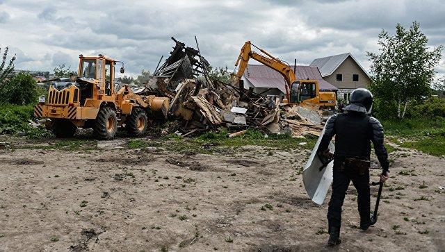 В поселке Плеханово в среду рабочие снесут 32 незаконные постройки