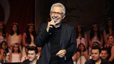 Турецкий музыкант, композитор, писатель, кинорежиссёр и политический деятель Зюльфю Ливанели