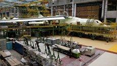Сборка самолета ИЛ-76МД-90А. Архивное фото