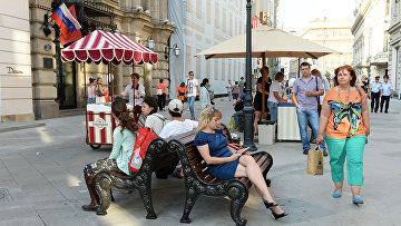 Никольская улица в центре Москвы. Архивное фото