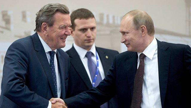 «Ядоверяю Владимиру Путину»: Шредер поведал освоем отношении к Российской Федерации