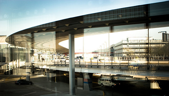 Прежнего премьера Норвегии приняли ваэропорту США затеррориста
