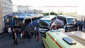 Доставка на вокзал Петрозаводска детей, эвакуированных из детского лагеря Сямозеро