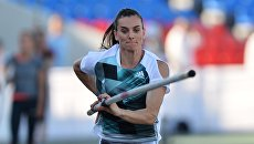 Елена Исинбаева на чемпионате по легкой атлетике в Чебоксарах. Архивное фото