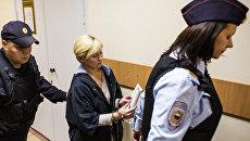Директор компании Парк-отель Сямозеро Елена Решетова в здании суда Перозаводска