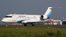 Самолет Bombardier CRJ-200LR авиакомпании Ямал. Архивное фото