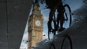 Отражение Биг Бена в Лондоне, Великобритания