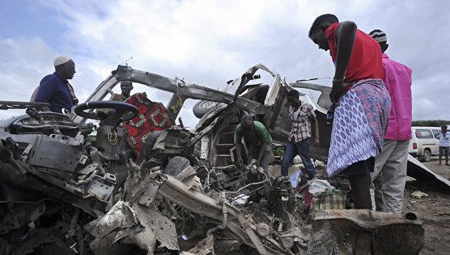 Жертвами 2-х взрывов уаэропорта вМогадишо стали восемь человек