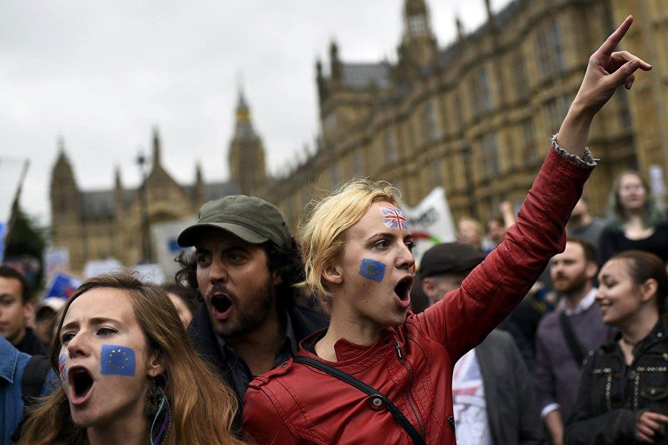 Демонстранты поддерживающие членство Британии в ЕС, Лондон