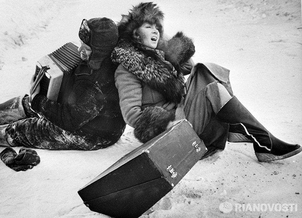 Басилашвили и Гурченко в фильме Вокзал для двоих