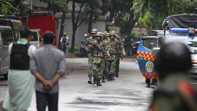СМИ: в Бангладеш проверяют неофициальные данные о личностях террористов