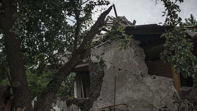 Один из домов в Горловке, разрушенный в результате обстрела. Архивное фото