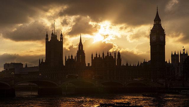 Биг-Бен и здание британского парламента в Лондоне. Великобритания. Архивное фото