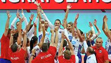Женская сборная России по волейболу празднует победу на чемпионате Европы в Роттердаме