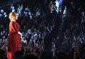 Певица Адель на 58-й премии Грэмми в Лос-Анджелесе