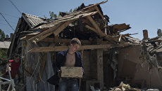 Разрушенный дом после ночного обстрела. Архивное фото