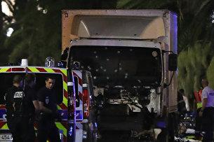 Грузовик, врезавшийся в толпу в Ницце. 15 июля 2016