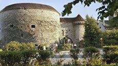 Большие Морские ворота и башня Толстая Маргарита. Таллин, Эстония