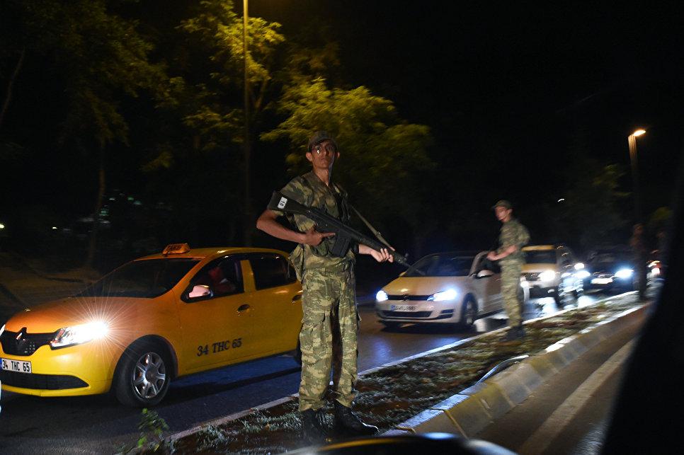 ВТурции уволили 10 тысяч госслужащих запричастность корганизации Гюлена