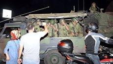 Солдаты турецкой армии у аэропорта Ататюрка. 16 июля 2016