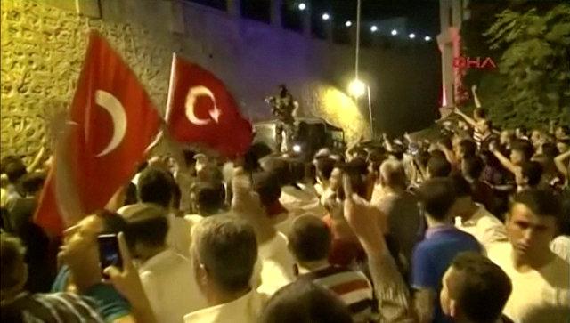 СМИ: вдохновителем попытки переворота в Турции был бывший советник генштаба
