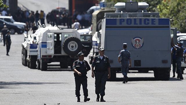 СНБ Армении: В Ереване отпустили ещё двух заложников