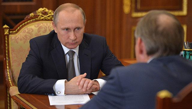 Рабочая встреча президента России В. Путина с уполномоченным при президенте РФ по защите прав предпринимателей Б. Титовым