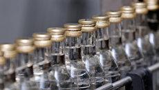 Производство водки. Архивное фото