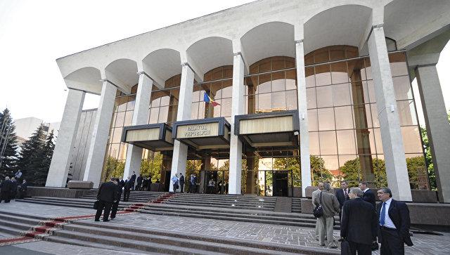 Новый парламент Молдавии собрался на первое заседание