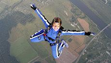 Российская парашютиска Ирина Синицына во время соревнований по парашютному спорту