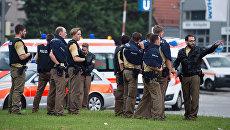 Полиция на месте стрельбы в торговом центре Мюнхена. 22 июля 2016