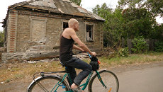 Разрушенный в результате обстрела частный дом в Горловке Донецкой области