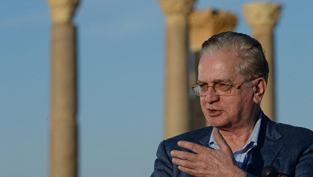 Директор Эрмитажа Михаил Пиотровский в Римском амфитеатре сирийской Пальмиры. Архивное фото