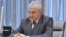 Новый руководитель Федеральной таможенной службы Владимир Булавин во время встречи с  Дмитрием Медведевым. 28 июля 2016