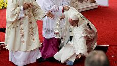 Папа Римский Франциск потерял сознание во время мессы в Польше. 28 июля 2016