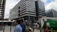 У здания Международного валютного фонда в Вашингтоне. Архивное фото