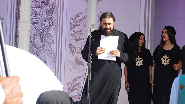 Схиархимандрит Серафима (Бит-Хариби) исполняет молитву на арамейском языке на фестивале Просветитель на Валааме