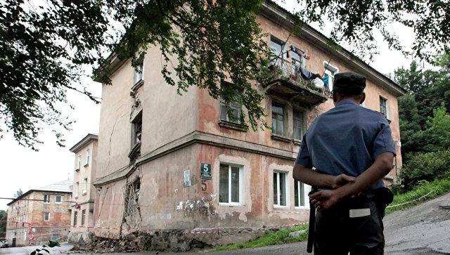 Аварийный жилой дом. Архивное фото