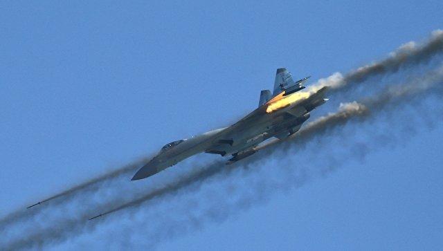 Русские истребители перехватили приближавшийся кгранице вражеский самолет