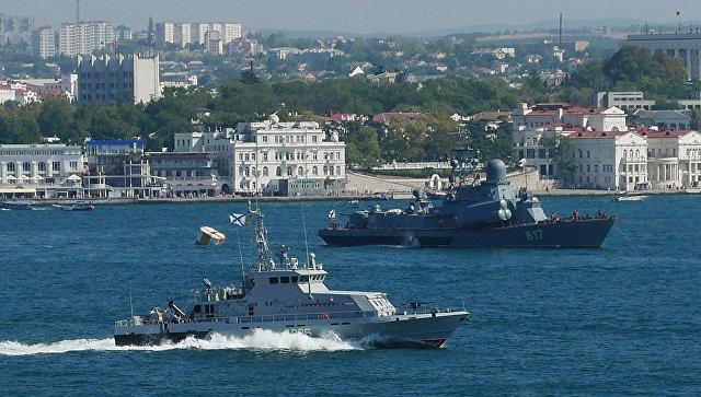 РФвысадила десант ибоевую технику воккупированном Крыму