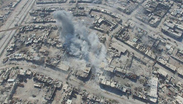 Нанесение авиаударов по позициям террористов в Алеппо. Архивное фото