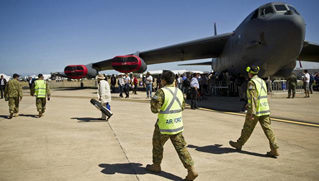Самолет B-52 на американской военной базе Андресон на острове Гуам в Тихом океане. Архивное фото