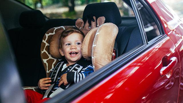 Минпромторг забраковал большую часть общедоступных в Российской Федерации детских автокресел