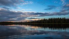 Закат на озере Имисъяври в Калевальском районе Карелии