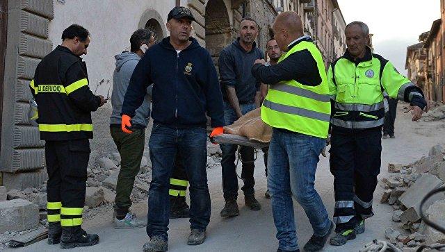ВИталии найдены тела погибших при землетрясении молодого человека идевушки