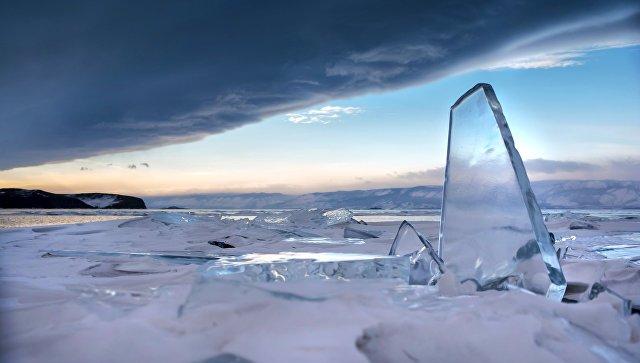 ВоВладивостоке cотрудники экстренных служб помогли рыбакам, которых забрало вморе нальдине