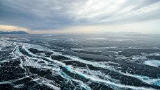 Вид на северную часть озера Байкал. Архивное фото