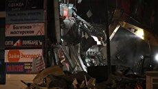 Снос незаконно построенного торгового центра Электрон рядом со станцией метро Электрозаводская в Москве. Архивное фото