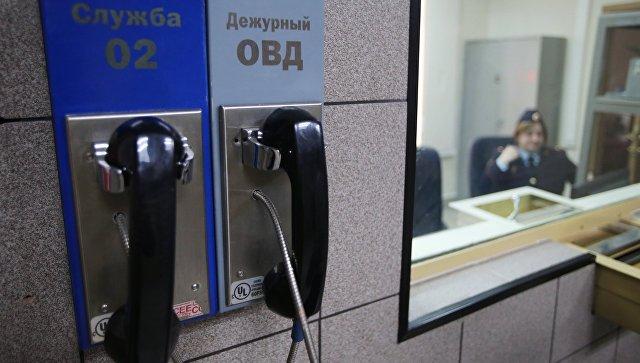 Телефоны в дежурной части ОВД. Архивное фото