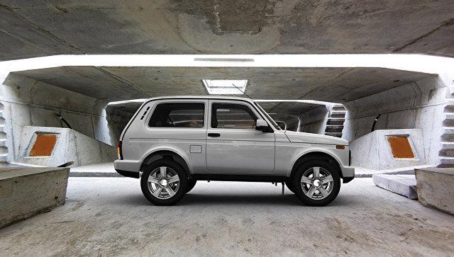 Автомобиль Lada 4x4. Архивное фото
